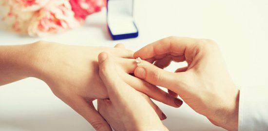 婚約指輪を選ぶポイント