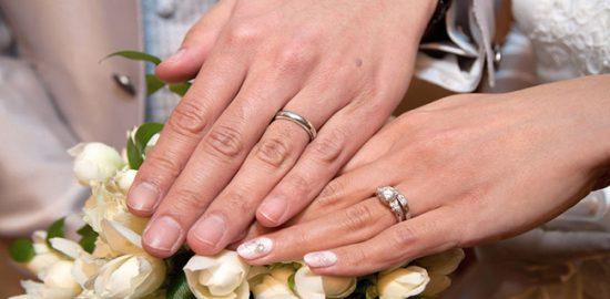 ダイヤモンドの結婚指輪を贈る